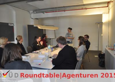 ... und wünscht den Teilnehmern einen erfolgreichen Dialog